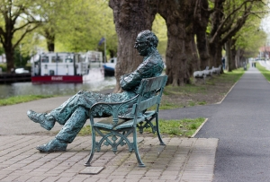 Patrick Kavanagh_monument at Grand Canal, Dublin